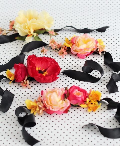 13 DIY Wedding Corsages For Your Bridesmaids