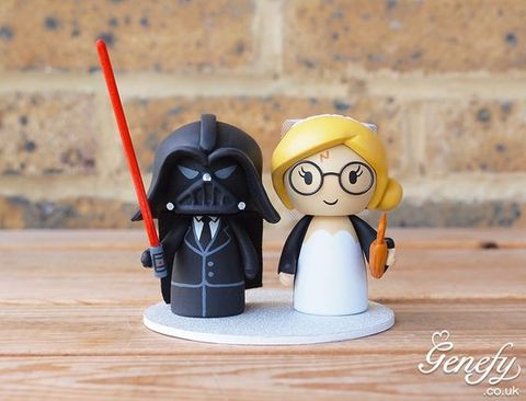 geeky wedding cake toppers 31 geeky wedding cake toppers happywedd 14664