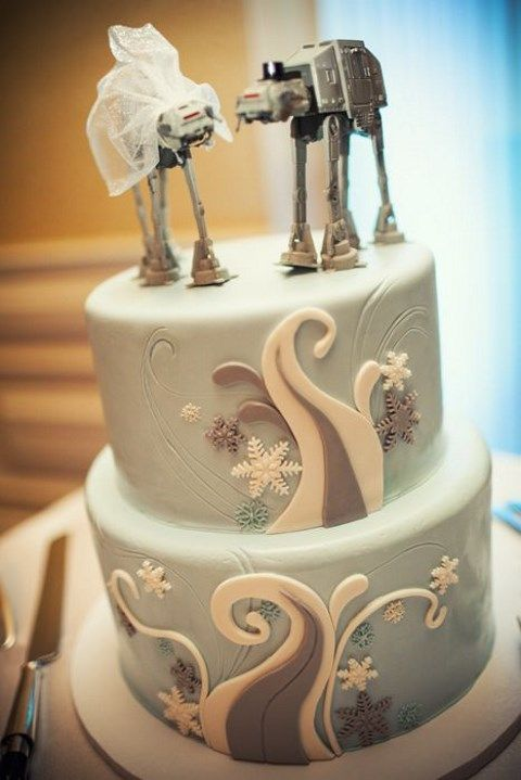 31 geeky wedding cake toppers