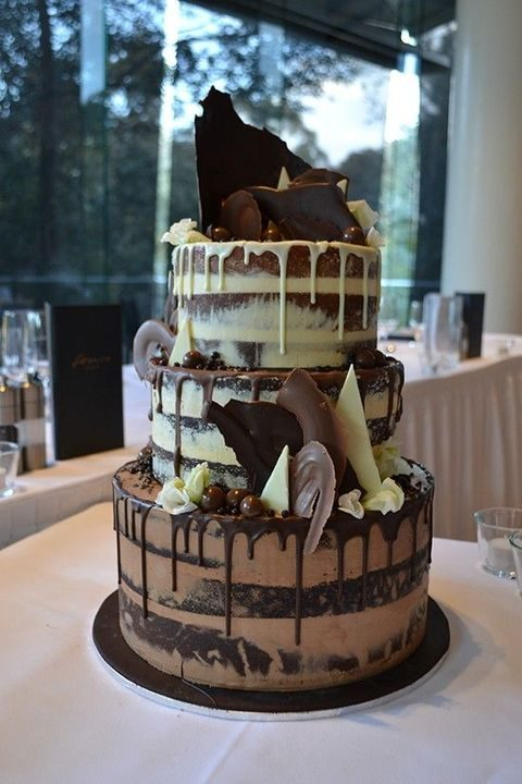 chocolate drip wedding cake ideas 64 and trendy drip wedding cakes happywedd 12699