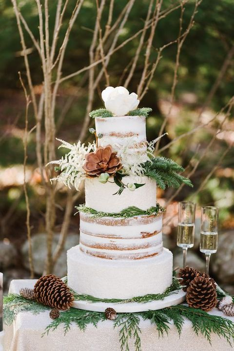 35 Winter Wedding Cake Types That Wow