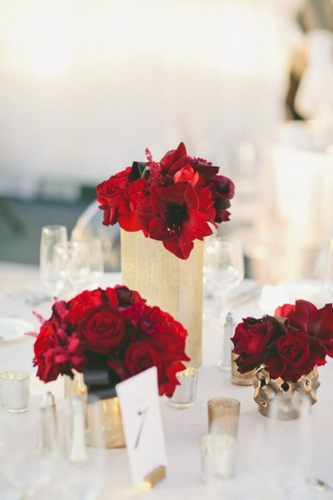 Red And Gold Wedding Decorations  from happywedd.com