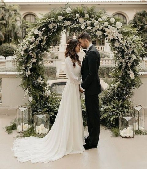 26 Rustic Wedding Ideas That Still Feel Elevated: 26 Winter Wedding Arches, Altars And Backdrops